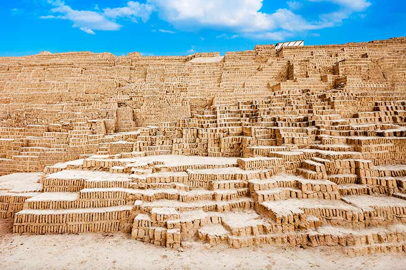 Huaca Pucllana - Lima Peru | Just Fly Business