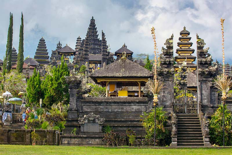 Pura Besakih - Bali Indonesia - Just Fly Business
