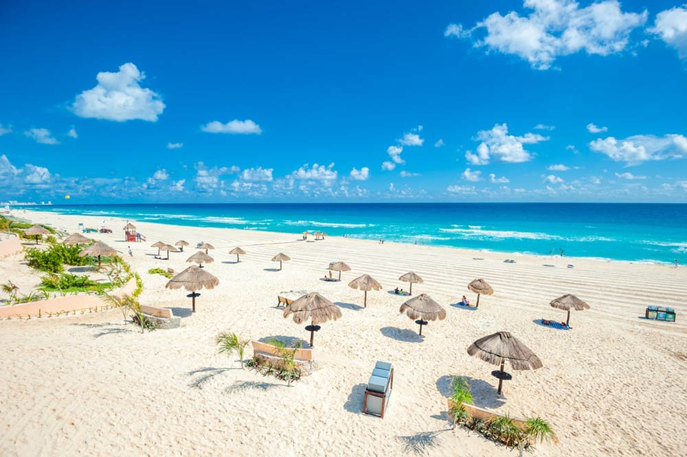 Cancun Beach - Your Next First Class Destination - Just Fly Business