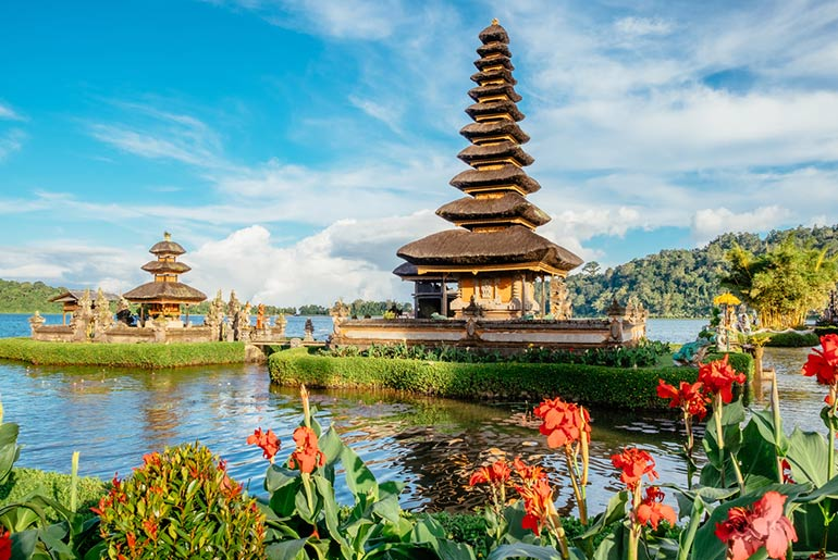 Lake Temple - Business Trip to Bali - Just Fly Business