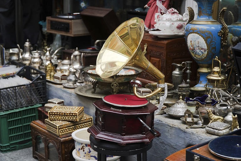 Antique Gramaphone and other wares at the Market