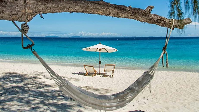 Beach Hammock - Constance Moofushi Maldives - Just Fly Business