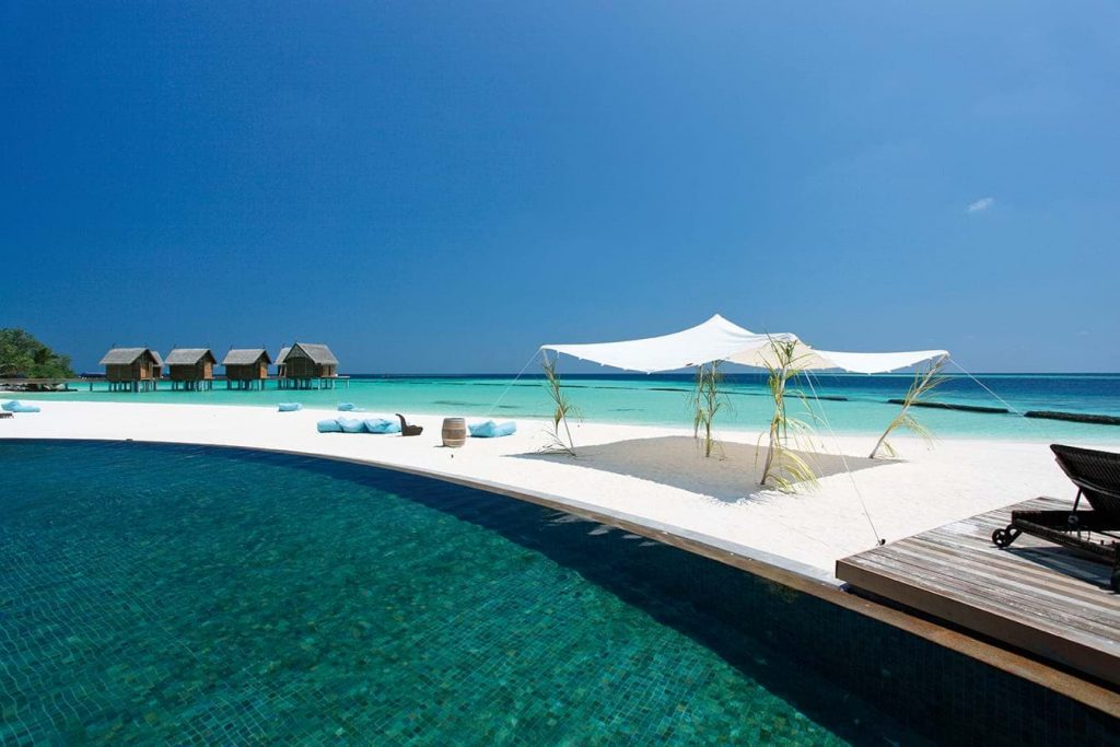 Infinity Pool - Luxury Holiday at Constance Moofushi Maldives - Just Fly Business