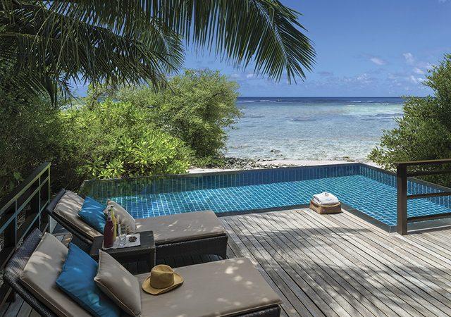 Pool villa with sea view