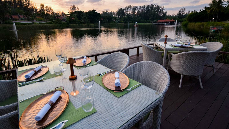 Waterfront Dining - Luxury Holiday at Banyan Tree | Just Fly Business