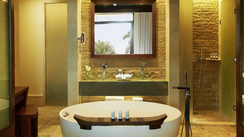 Bath - Luxury Holiday at Sofitel The Palm | Just Fly Business