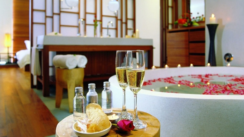 Bath & Champagne - Luxury Holiday at The Sarojin Khao Lak | Just Fly Business