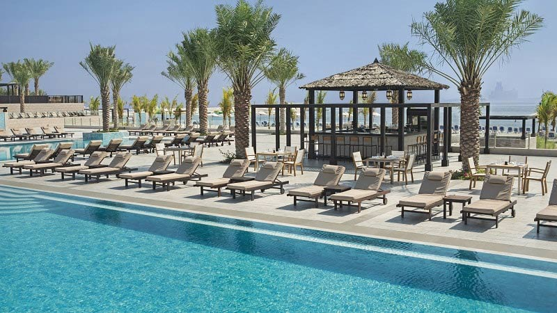 Pool Bar - Luxury Holiday at Doubletree Marjan Island Resort Dubai | Just Fly Business