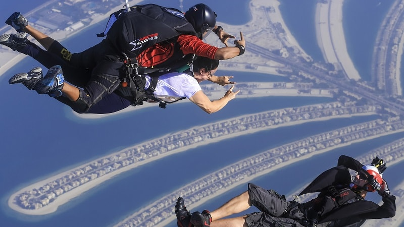 sky diving over the palm dubai