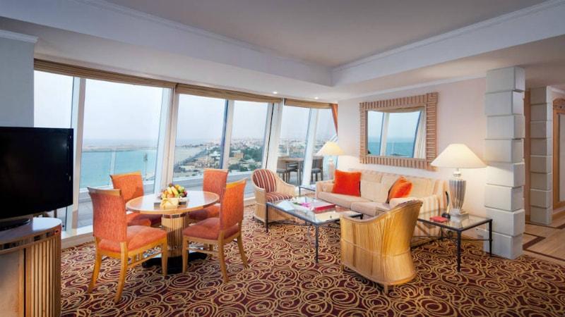 Junior Ocean Suite at Jumeirah Beach Hotel