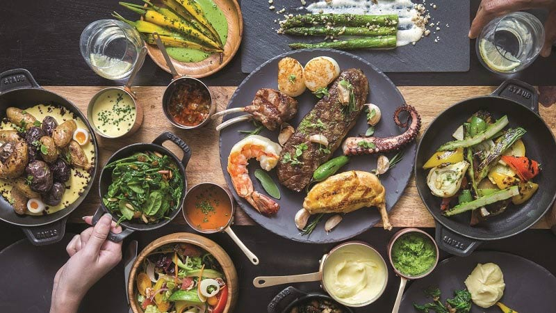 Brunch at La Parrilla - Luxury Holiday at Jumeirah Beach Hotel Dubai | Just Fly Business