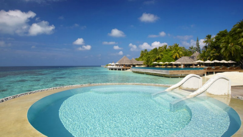 Lonu Veyo Floatation Pool at Huvafen Fushi, Maldives