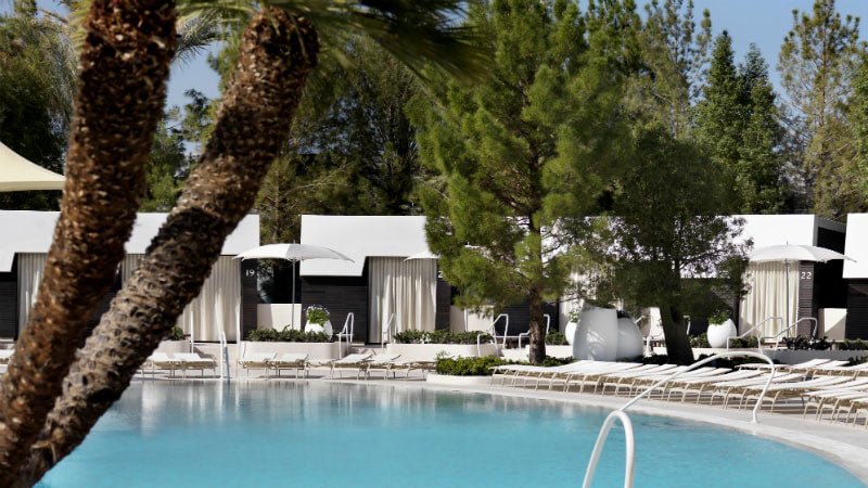 Pool with Cabanas - Luxury Holiday at Aria | Just Fly Business