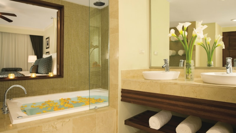 Preferred Club Deluxe with Jacuzzi at Dreams Palm Beach Punta Cana