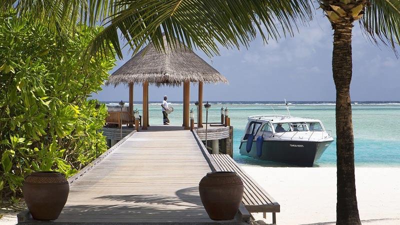 Beach Jetty - Luxury Holiday at Anantara Dhigu Resort | Just Fly Business