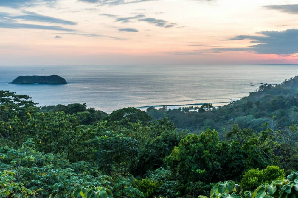 Costa Rica Sunset - Your Next First Class Destination - Just Fly Business