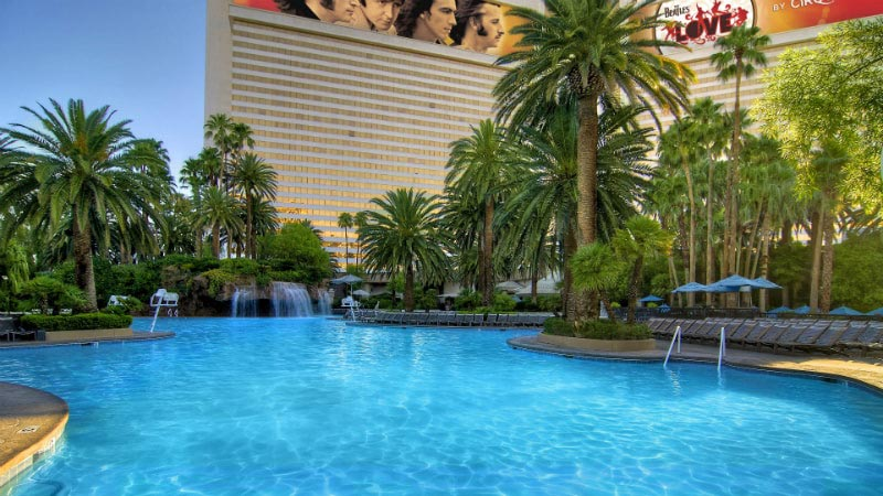 Main Pool - Luxury Holiday at Mirage Hotel & Casino | Just Fly Business