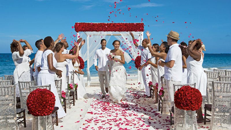Beach Wedding - Luxury Holiday at Now Sapphire Riviera | Just Fly Business