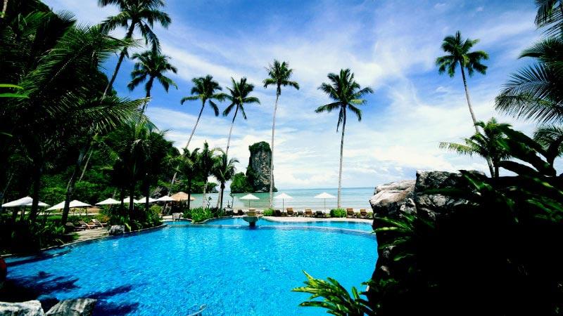 Infinity Pool - Luxury Holiday at Centara Grand Beach Resort & Villas | Just Fly Business