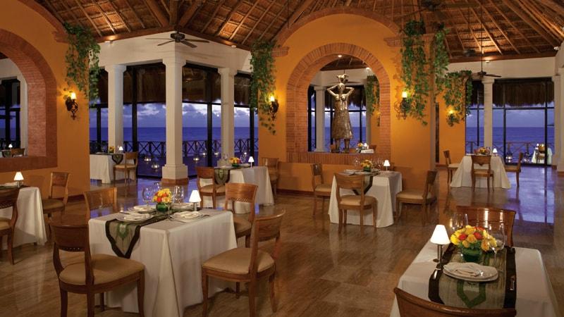 Now Saphire Riviera Cancun restaurant