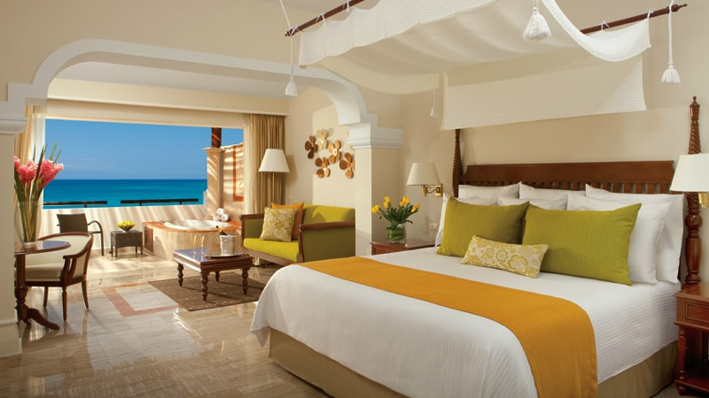 Now Sapphire Riviera Cancun Preferred Club Junior Suite Ocean-Front View