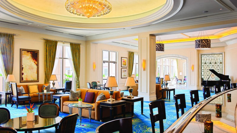 Peacock Alley Lounge - Luxury Holiday at Waldorf Astoria Orlando | Just Fly Business