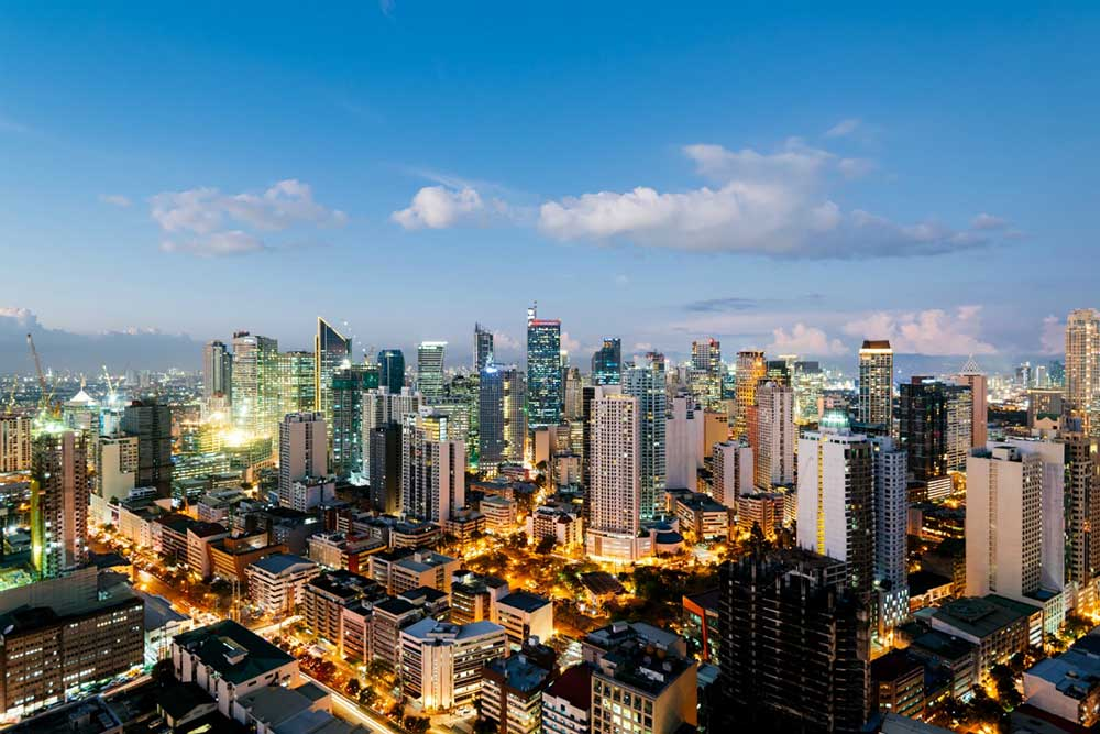 Manila Skyline - Your Next First Class Destination - Just Fly Business