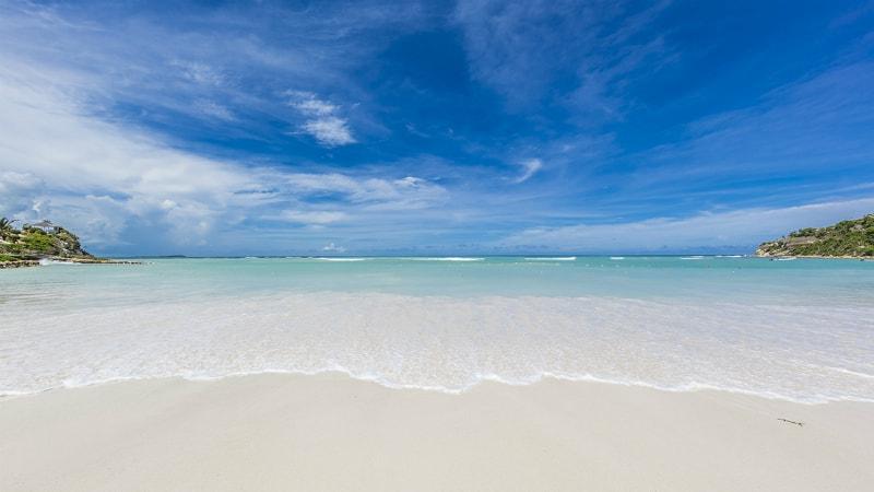 Pinapple Beach Club Sea view