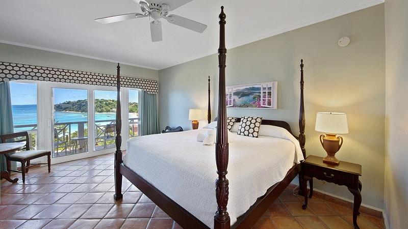 Pinapple Beach Club Ocean view rooms
