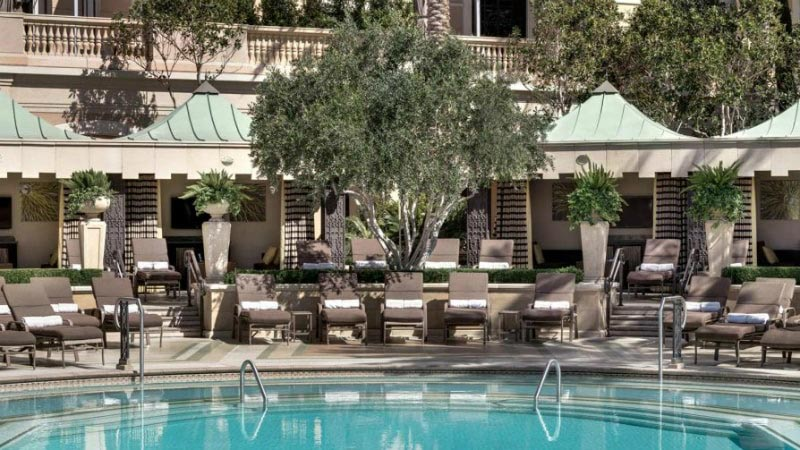 Cabanas & Daybeds - Luxury Holiday at Palazzo, Las Vegas | Just Fly Business