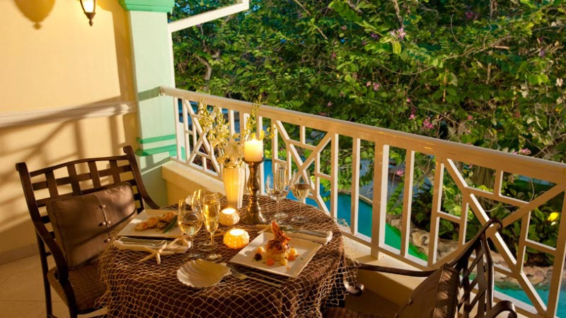 Butler Suite - Luxury Holiday at Sandals Royal Caribbean | Just Fly Business