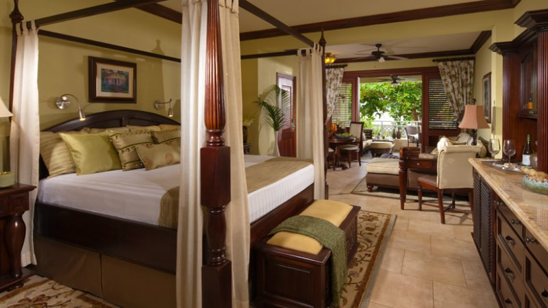 Crystal Lagoon Honeymoon One Bedroom Butler Suite at Sandals Royal Caribbean