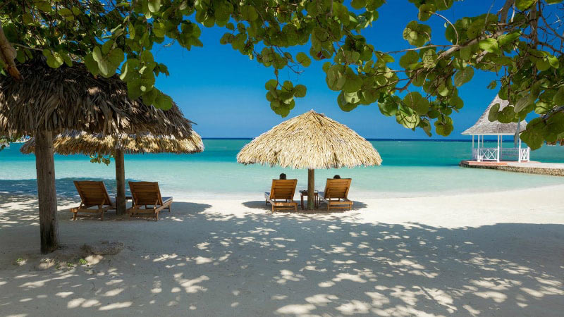 Lounges - Luxury Holiday at Sandals Royal Caribbean | Just Fly Business