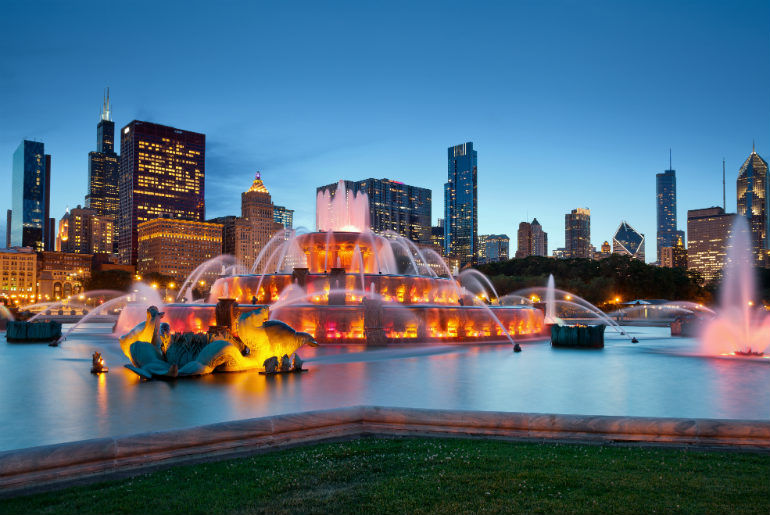 Windy City Will Blow You Away - Buckingham Fountain Chicago | Just Fly Business