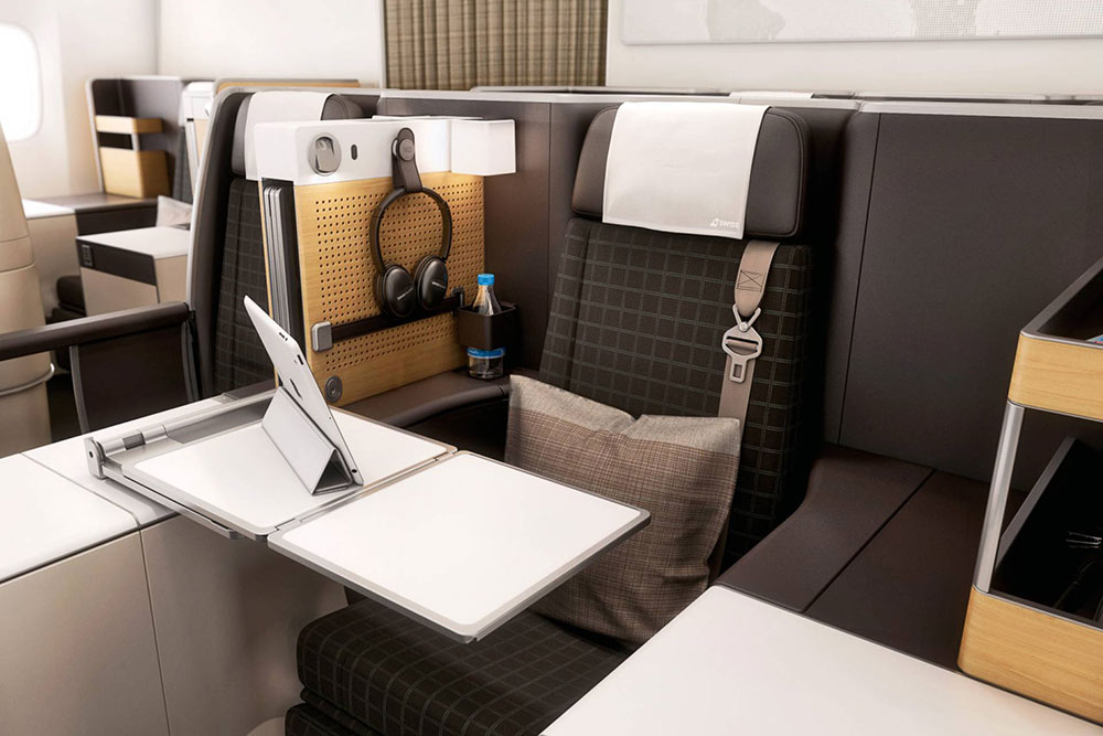 Business Class Seat in Swiss Air Business Class | Just Fly Business