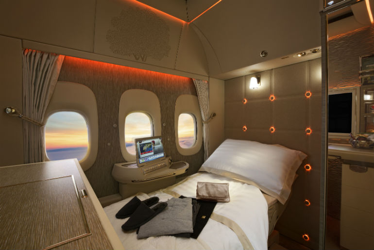 First-Class fully flat-bed Emirates | Just Fly Business