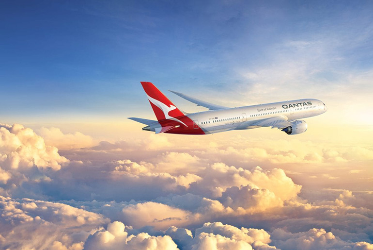 QANTAS Boeing 787-900 Dreamliner in flight. Quantas offer an excellent business class