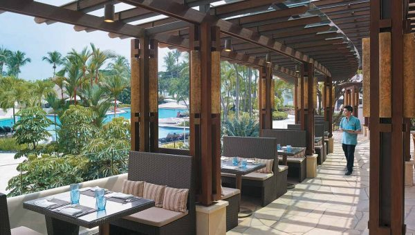 Wide picture from the outdoor restaurant at Shangri-La Rasa Sentosa Resort & Spa in Singapore