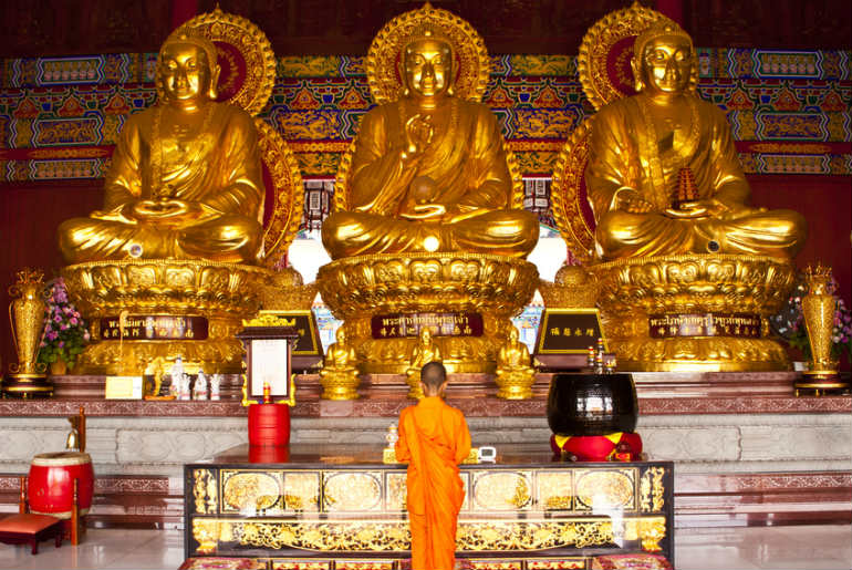 Jade Buddha Golden Temple with 3 buddha