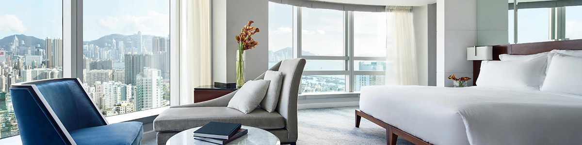 Luxury Club Studio room with a view of Hong Kong at Cordis Hotel