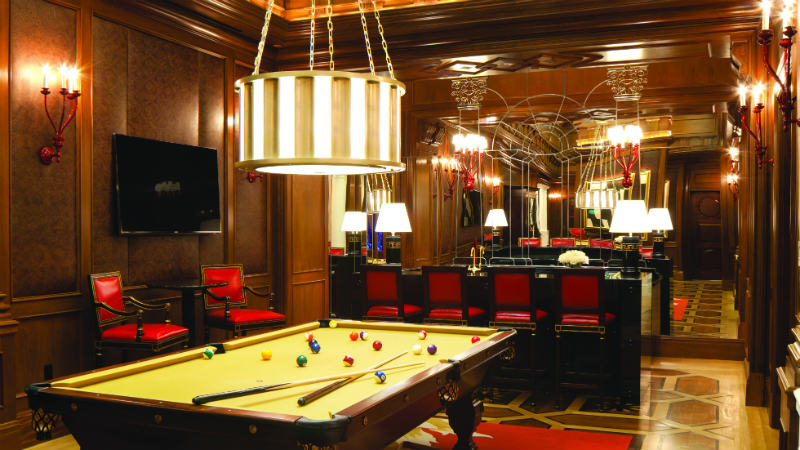 Titus Villa in Caesars Palace showing the pool table