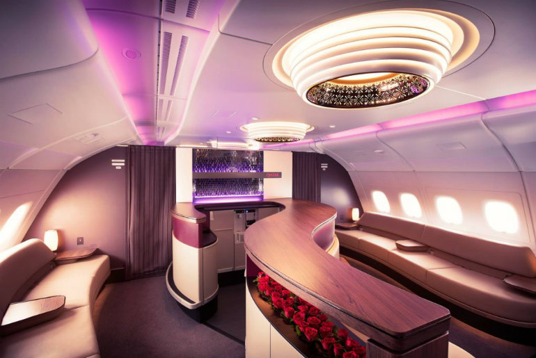 Qatar-Airways onboard bar A380