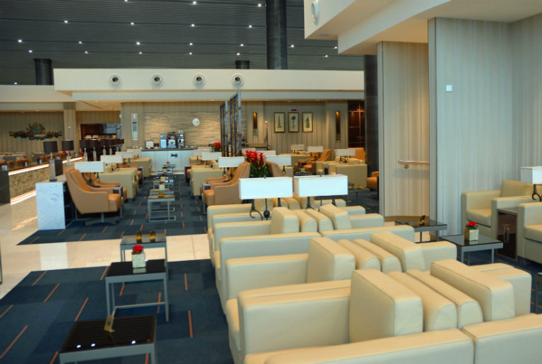 Emirates Rome airport lounge