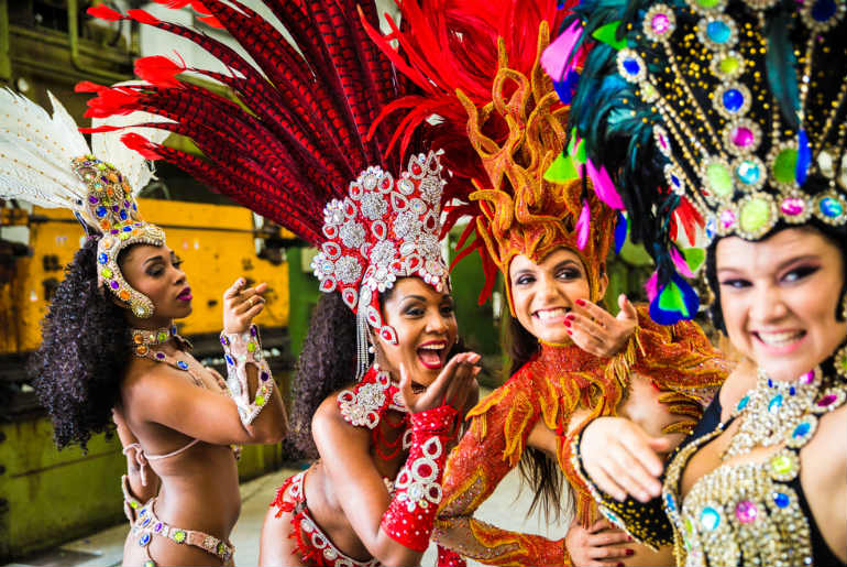 4 Rio dancer getting ready for carnival