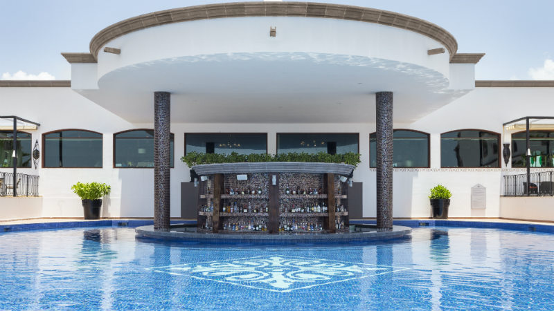 Pool bar at the Grand Residences Riviera Cancun