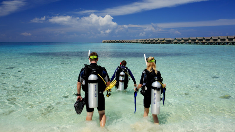 Scuba diving at the Centara Ras Fushi Resort and Spa Maldives