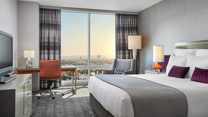 Skyline King Room at the Loews Hollywood hotel