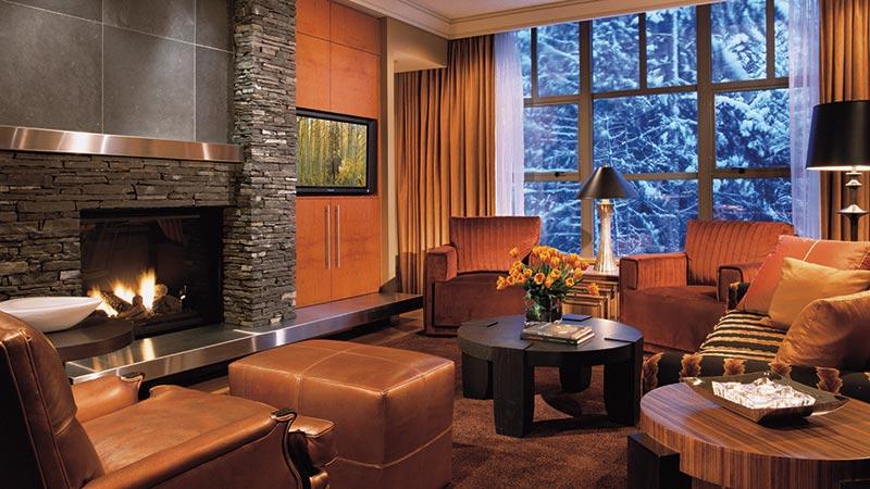 Three bedroom and den resort residence - Four Season Whistler