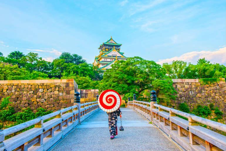 Japanese kimono and Osaka Castle