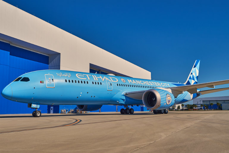Etihad Airways unveils Manchester City FC B-787
